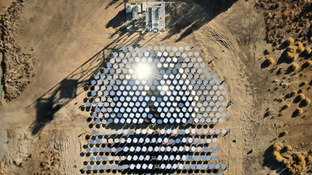 Energía_solar_puede_dar_un_gran_paso_con_espejos_girasoles_inteligentes
